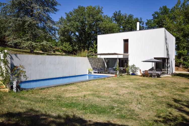 Midi-pyrenees  Vakantiewoningen te huur Prachtig modern huis,onder architectuur gebouwd, met prive zwembad.