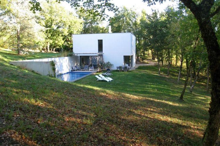Vakantiewoning met zwembad met wifi  Boissieres  Prachtig modern huis,onder architectuur gebouwd, met prive zwembad.