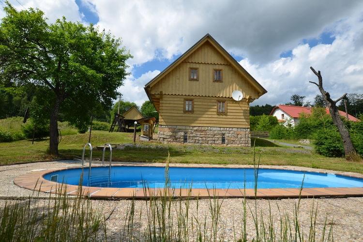 Vakantiehuis met zwembad   Reuzengebergte - JzergebergteLibor