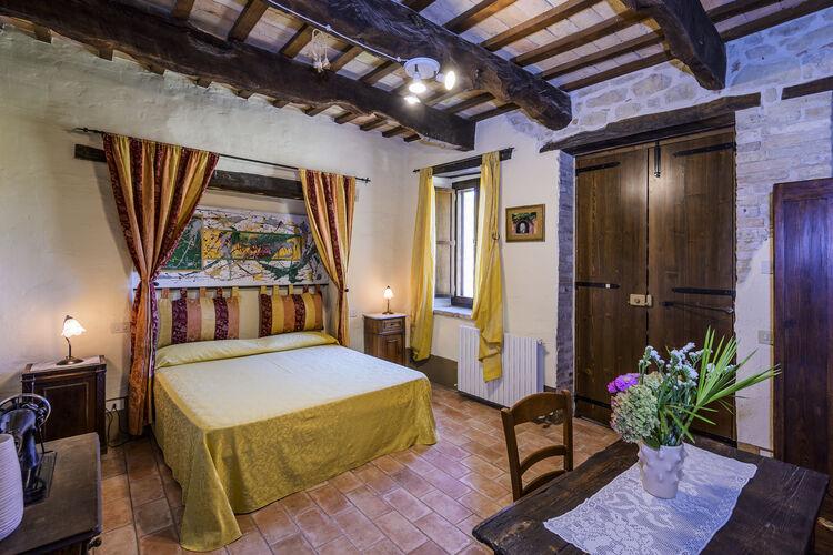 vakantiehuis Italië, Marche, Monte san Martino vakantiehuis IT-62020-19