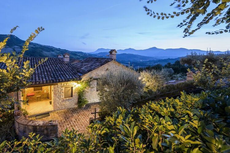 vakantiehuis Italië, Marche, Monte san Martino vakantiehuis IT-62020-21