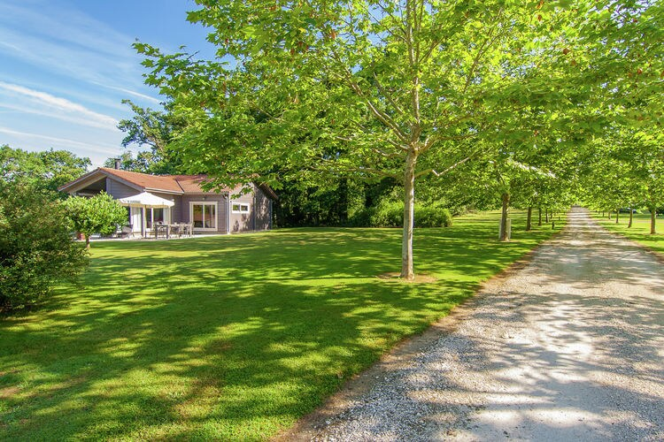 Villa met zwembad met wifi  Oradour sur Vayres  Villa des Chapelles