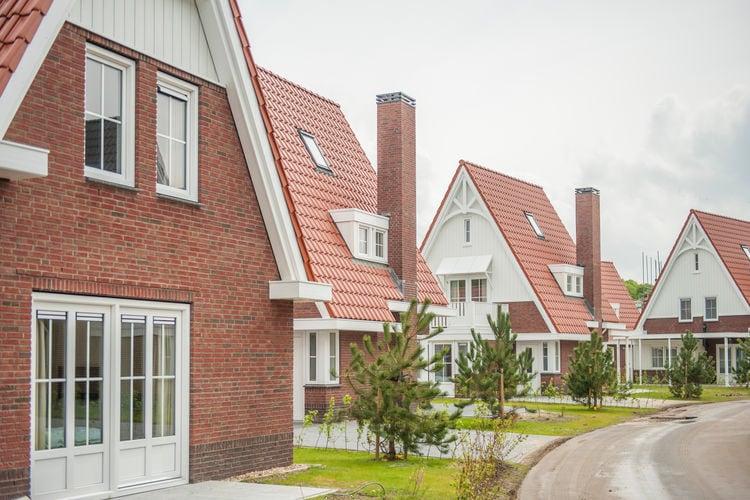 Koudekerke Vakantiewoningen te huur Luxe villa met vier slaapkamers met elk een eigen badkamer, 1 km. van het strand