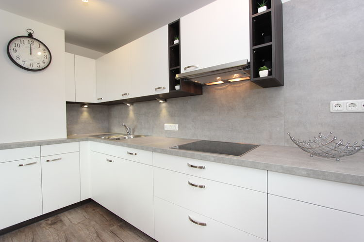Ref: AT-5731-24 2 Bedrooms Price