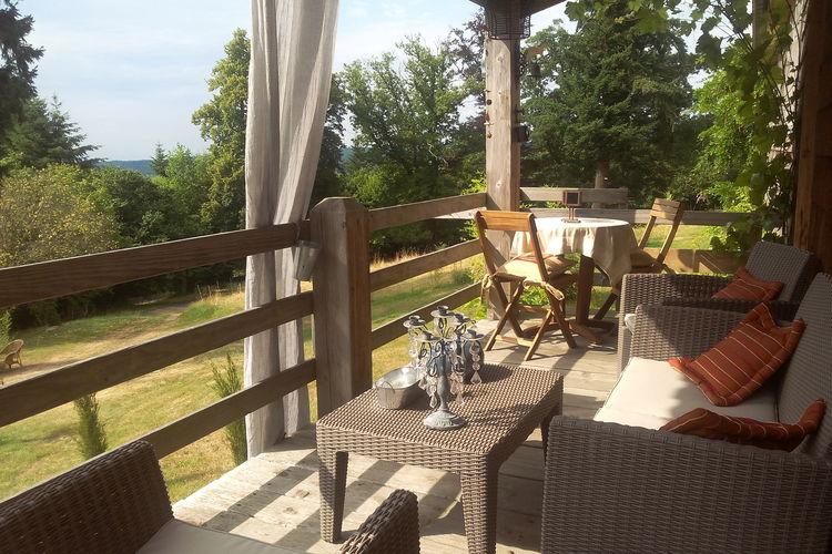 Chalet  met wifi  Raon L`etape  Smaakvol en luxe ingerichte vakantiewoning op domein met kasteel in de Vogezen