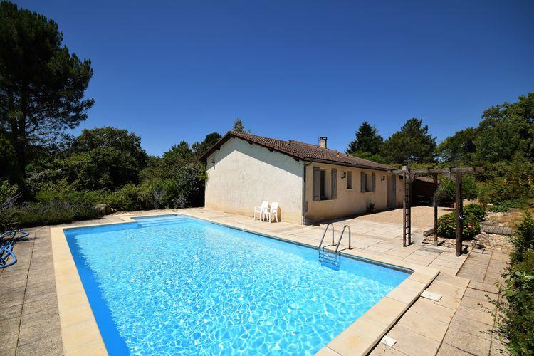 Vakantiewoning met zwembad met wifi  Bossieres  Rustig gelegen vakantiewoning met prive zwembad in de mooie streek van de Lot.
