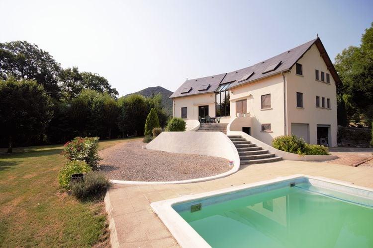 Midi-pyrenees  Vakantiewoningen te huur Geweldig vakantiehuis voor zomer en winter en met prive zwembad.
