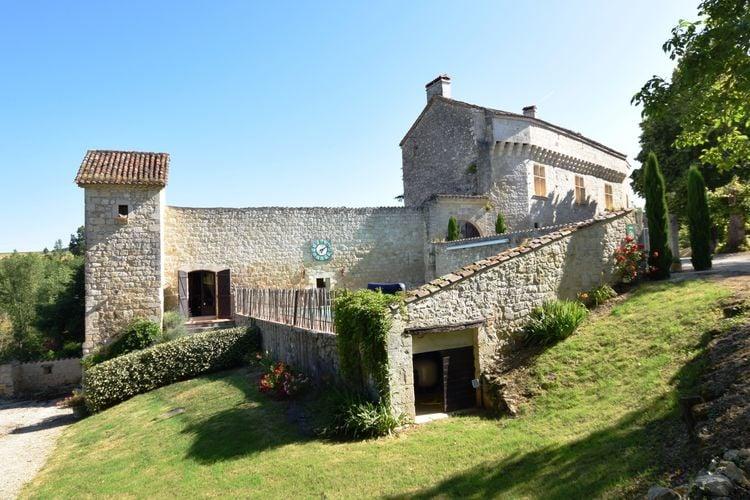 Kasteel met zwembad met wifi  Bon Encontre  Chateau uit de 12de eeuw met hedendaags comfort in een sublieme setting.