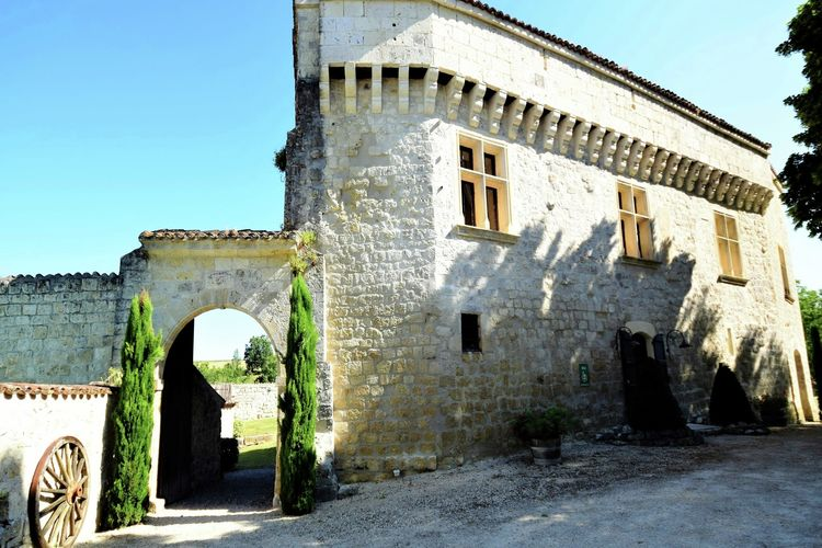 Kasteel  met wifi  Bon Encontre  Hoofdgebouw van een Chateau uit de 12de eeuw.