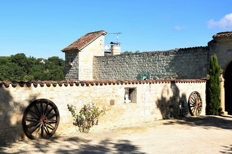 Kasteel  met wifi  Bon Encontre  Vakantiehuis horende bij een Chateau uit de 12de eeuw.