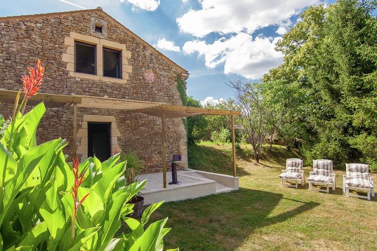 Vakantiewoning  met wifi  Loubejac  Kom tot rust op het Franse platteland in groot huis met een inpandige jacuzzi