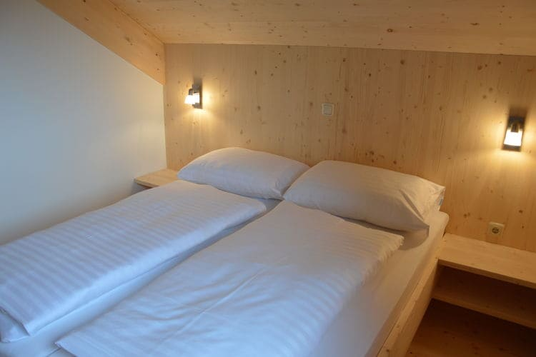 Ref: AT-8861-86 4 Bedrooms Price