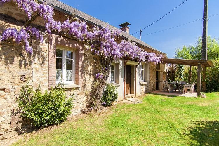 Limousin Vakantiewoningen te huur Ruime gerenoveerde cottage met een heerlijke speeltuin voor de kinderen.