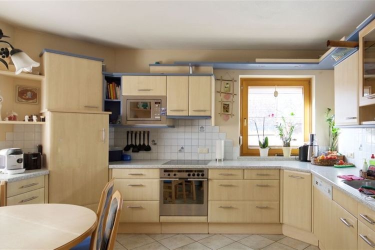 Ref: AT-5722-17 4 Bedrooms Price