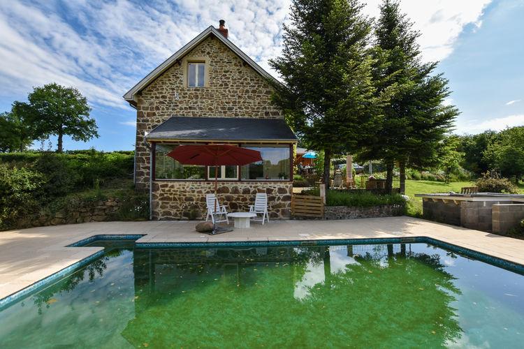 Vakantiehuis met zwembad met wifi  Virlet  Landhuis in Virlet met natuurlijk zwembad