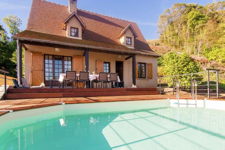 Villa met zwembad met wifi  Beaulieu-Sur-Dordogne  Maison Poedjon