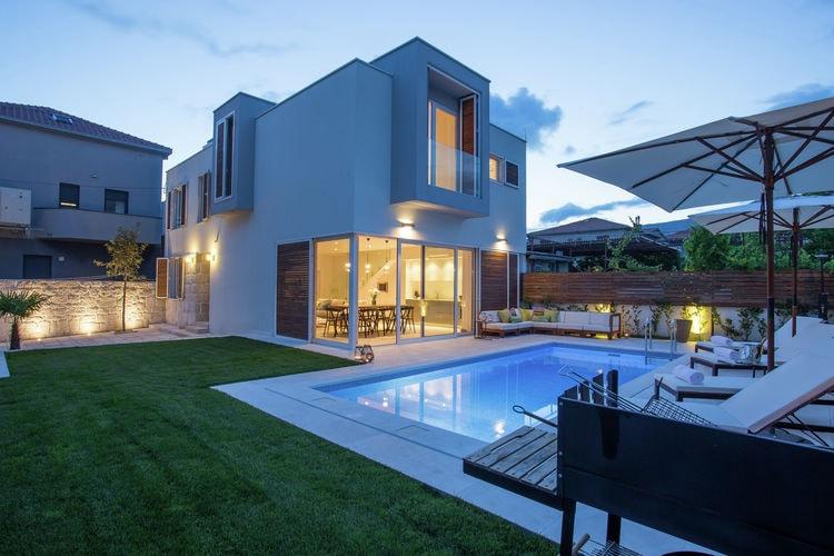 Kroatie / Dalmatie | Villa met zwembad met wifi  - Kastel Stari  Koras Villa