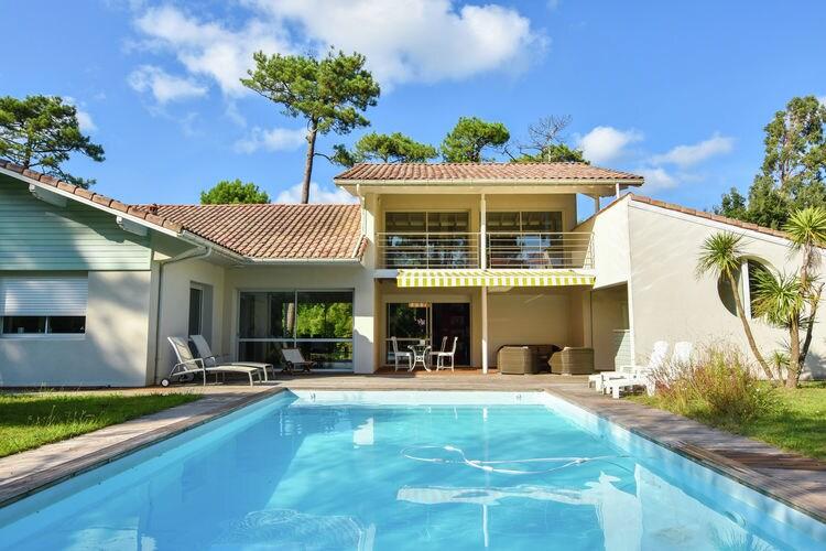 Cote Atlantique Vakantiewoningen te huur Luxueuze villa met verwarmd privé zwembad, op 500m van de oceaan en Hossegor.