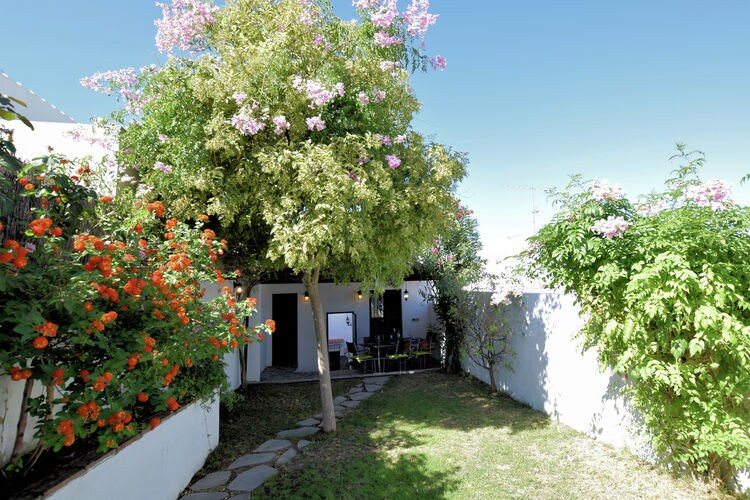 Andalucia Vakantiewoningen te huur Heerlijk vakantiehuis met privézwembad en tuin in het plaatsje Rute
