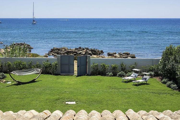 luxe vrijstaande villa met eigen toegang tot de zee, tuin en terras