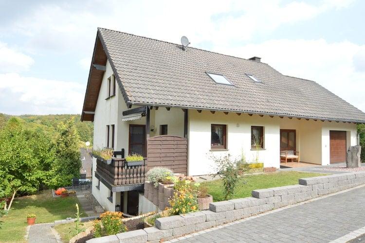 Vakantiehuis  met wifi  Üxheim Niederehe  Het appartement bevindt zich op een rust..