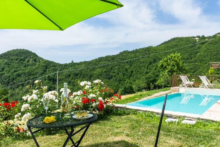 Vakantiehuizen Italie | Marche | Boerderij te huur in Sestino met zwembad  met wifi 5 personen