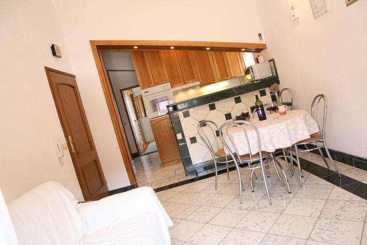 Appartement Kroatië, Dalmatie, Slatine Appartement HR-21224-06