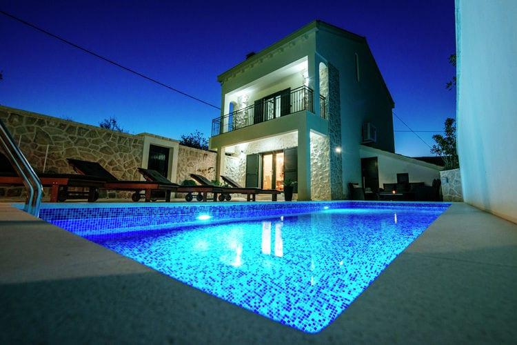 Kroatie | Dalmatie | Villa te huur in Vinjerac met zwembad  met wifi 8 personen