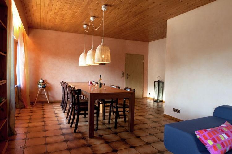 Ref: DE-53940-25 4 Bedrooms Price