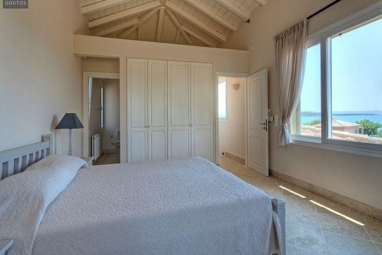 Ref: GR-21061-03 5 Bedrooms Price