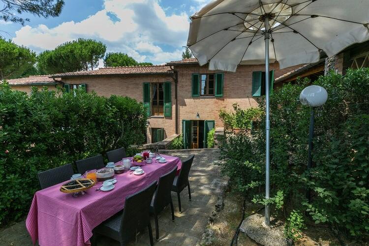 Vakantiewoning huren in Siena - met zwembad  met wifi met zwembad voor 7 personen  Op een heuvel op slechts 5 km van ..