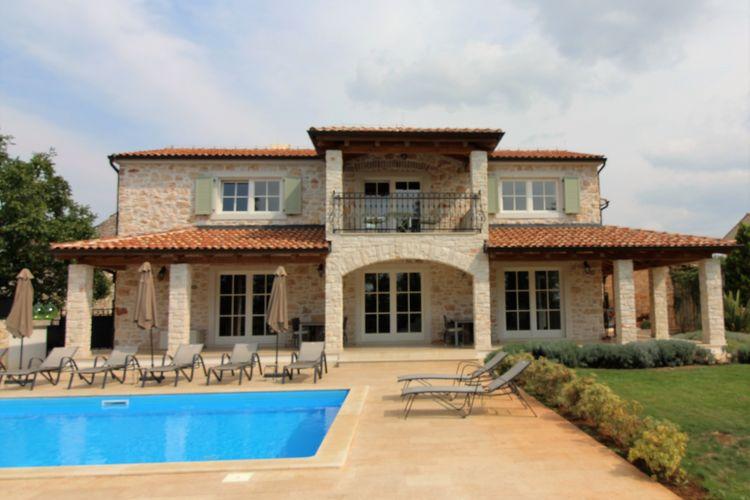 Brtonigla Villas te huur Luxe villa met privé zwembad, ruime, omheinde tuin en overdekt terras, BBQ