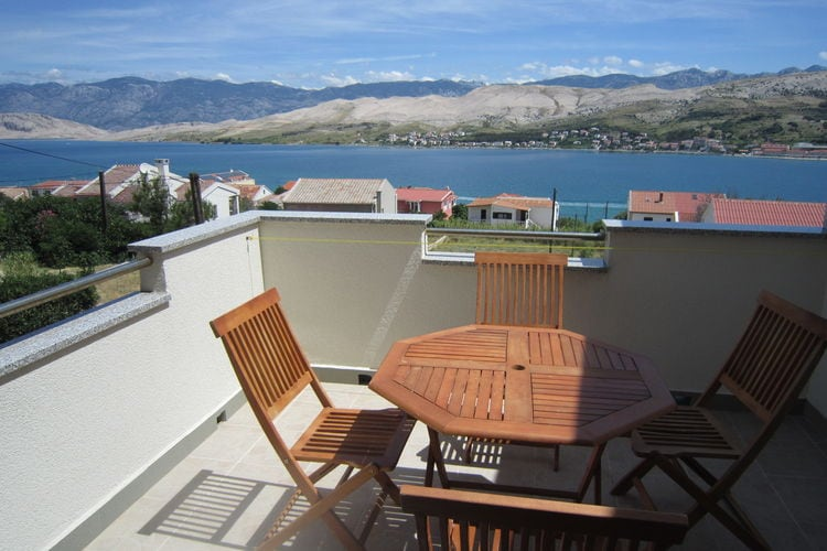 eld Vakantiewoningen te huur Mooi appartement met terras en uitzicht op zee en BBQ voor gebruik