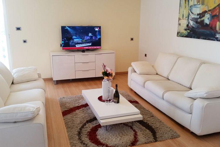 Kroatie Appartementen te huur Luxe penthouse appartement met zeezicht en een mooi terras, 300m van het strand