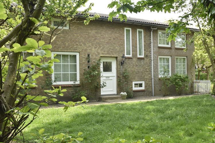 Vakantiewoning huren in Petten -   met wifi  voor 6 personen  Dit vakantiehuis ligt centraal gel..