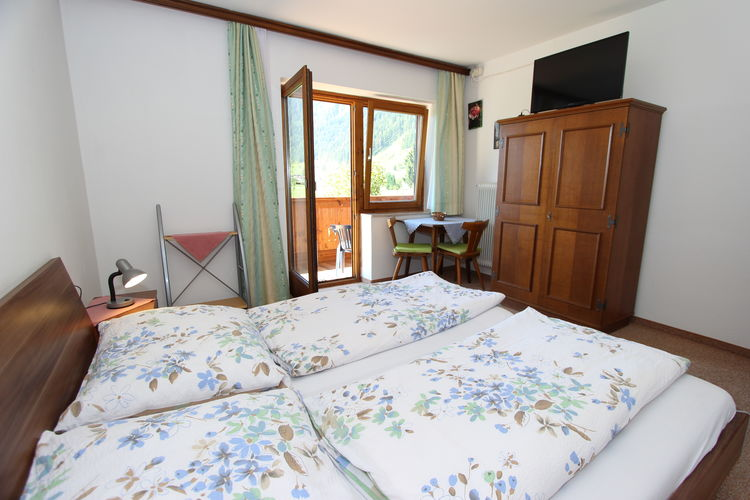 Ref: AT-5751-19 3 Bedrooms Price
