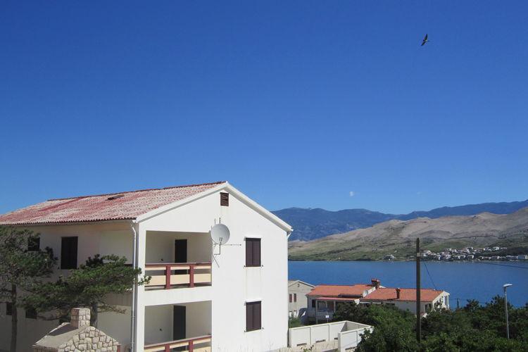 eld Vakantiewoningen te huur Groot huis appartement met terras en uitzicht op zee,300m ver van het strand,BBQ