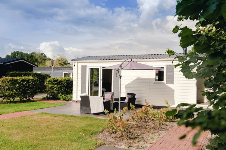 Vakantiehuizen Nederland | Overijssel | Chalet te huur in Rijssen met zwembad  met wifi 4 personen