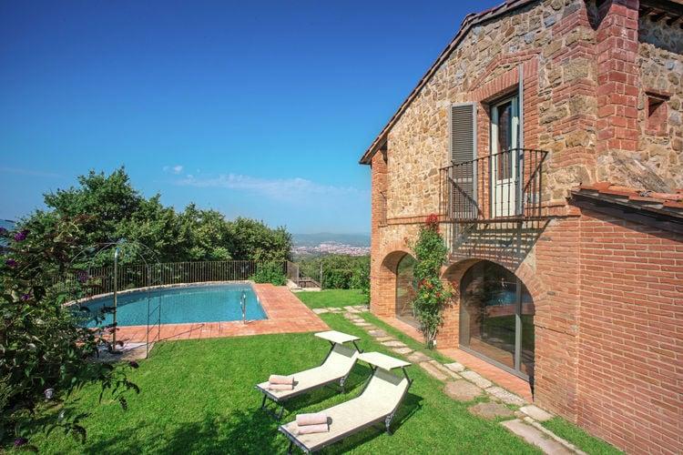 Villa huren in Arezzo - met zwembad  met wifi met zwembad voor 10 personen  Deze villa met privézwembad ligt ..