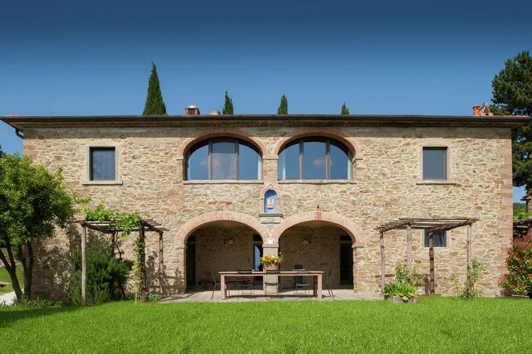 Arezzo Vakantiewoningen te huur Villa met privézwembad op een biologisch wijnlandgoed