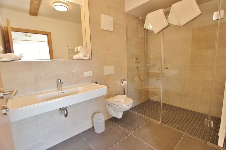 Ref: AT-5722-18 4 Bedrooms Price