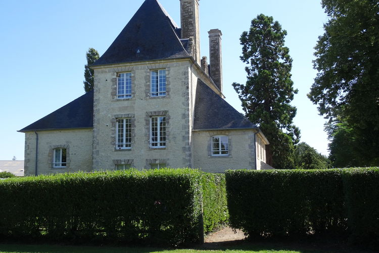 Kasteel huren in Normandie -   met wifi  voor 5 personen  Dit ruime appartement heeft een lu..