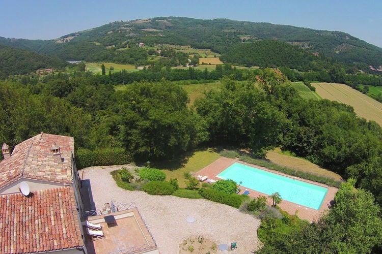 Villa huren in Umbrie - met zwembad  met wifi met zwembad voor 8 personen  Villa Petrelli  is een prachtige v..
