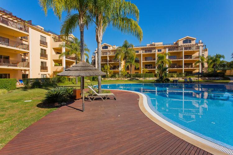 Appartement met zwembad met wifi aan zee  PortugalApt Majoka