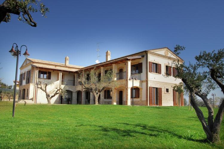 Appartement huren in Mosciano-s-Angelo - met zwembad  met wifi met zwembad voor 4 personen  Deze accommodatie ligt in een mooi..