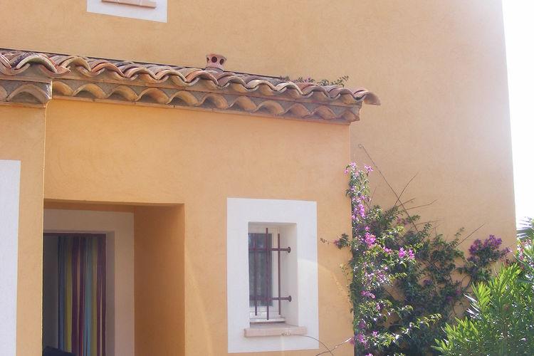 Villa met zwembad met wifi  Roquebrune-Sur-Argens  Sfeervolle, geschakelde villa 2/4 personen in Provençaalse stijl op vakantiepark
