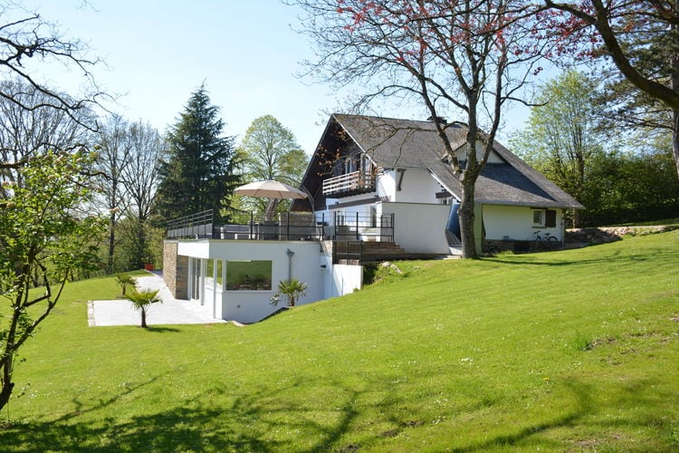 Belgie | Luik | Chalet te huur in Stoumont met zwembad  met wifi 11 personen
