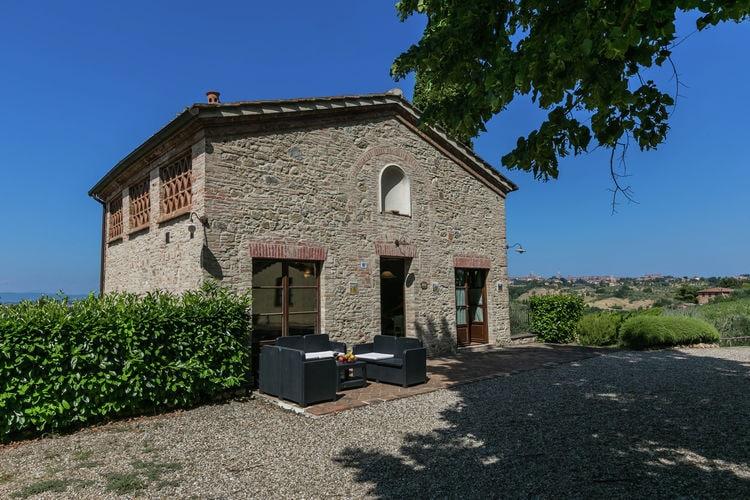 Vakantiewoning met zwembad met wifi  Siena  Agriturismo met zwembad en restaurant, 3 km van Siena, prachtig uitzicht