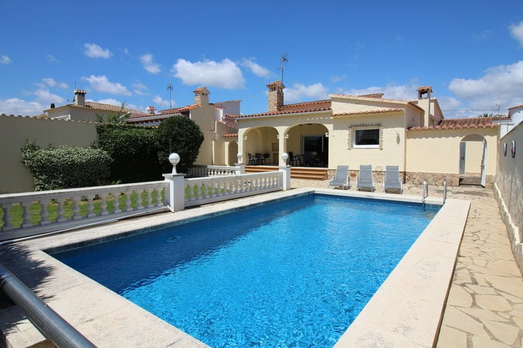 Vakantiehuis met zwembad met wifi  EmpuriabravaVilla Tordera