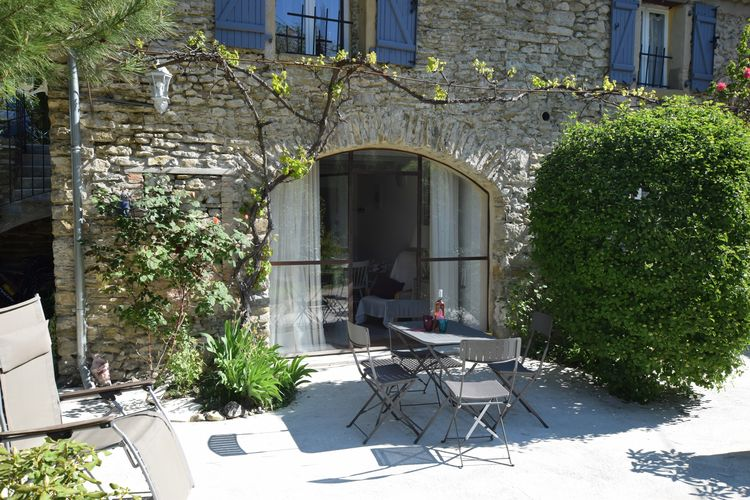 Boerderij met zwembad met wifi  Pont-De-Barret  Gerenoveerd appartement op prachtig landgoed met zwembad